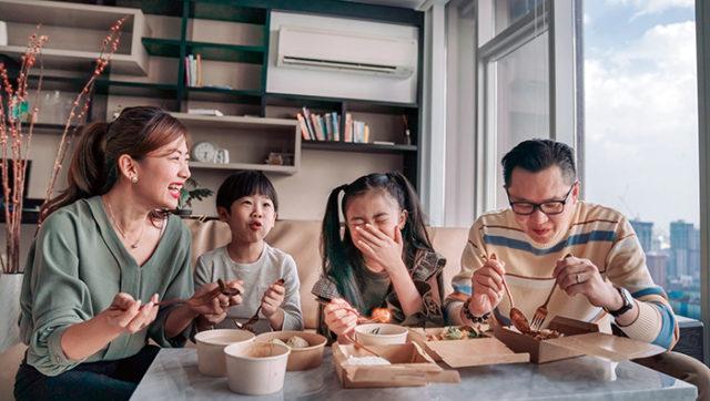 ac tune up sarasota fl - Asian family eating dinner